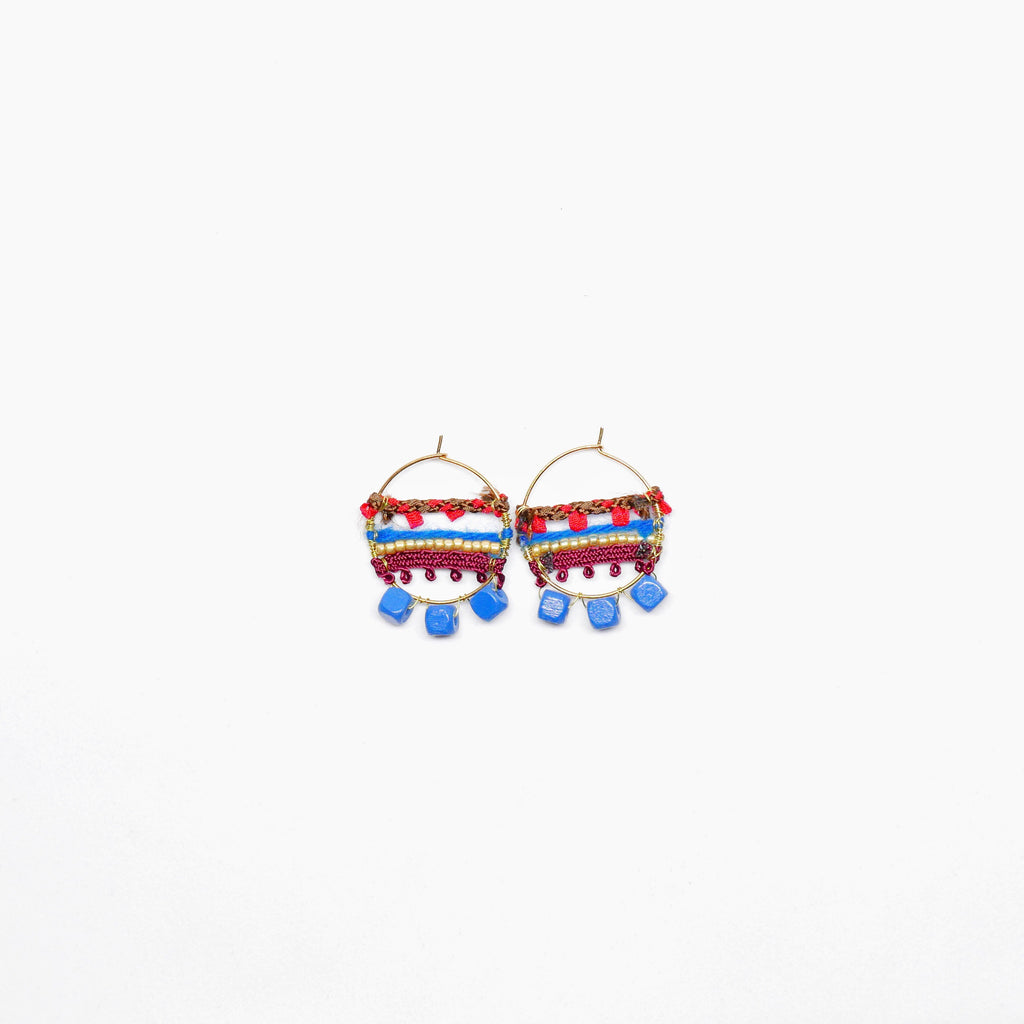 Knitted Circle Earrings (Blue) . 冷織圈耳環 (藍色)