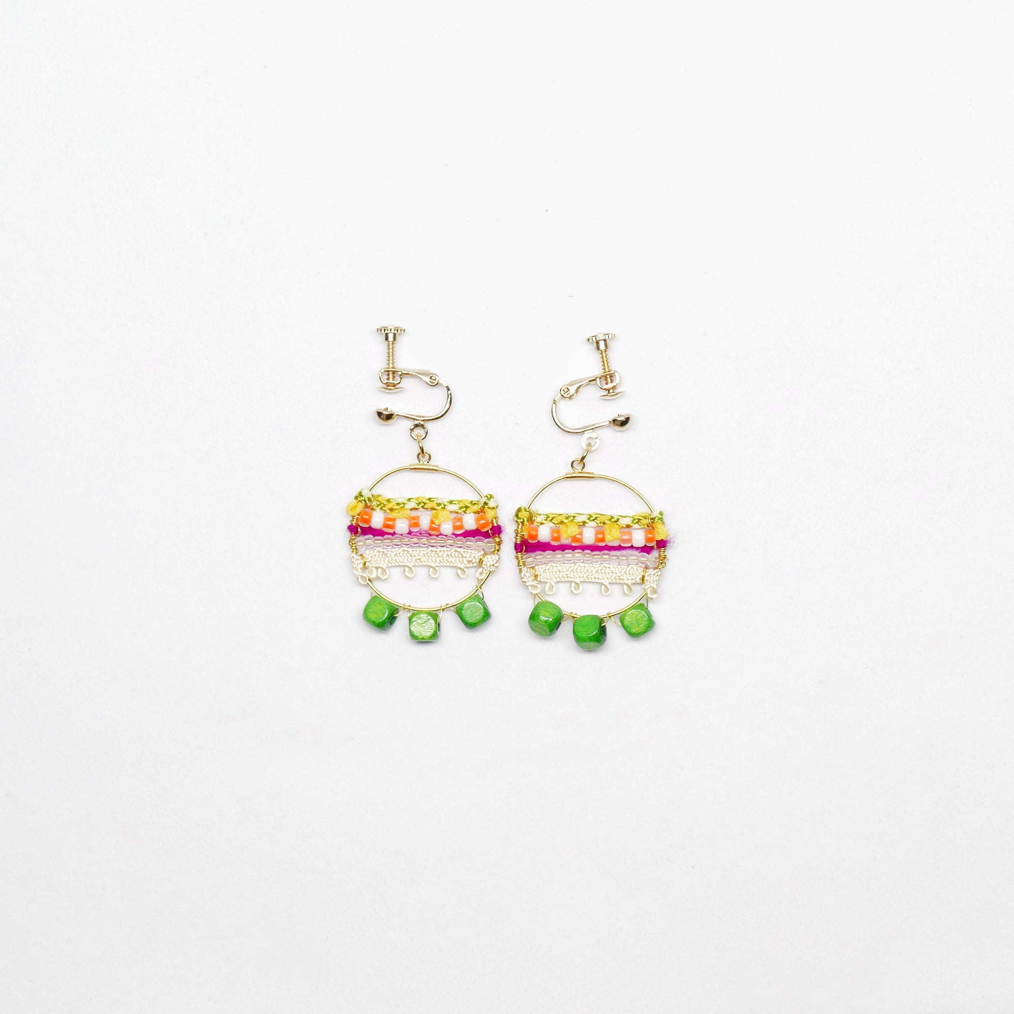 Knitted Circle Earrings (Clip on - Green) . 冷織圈耳環 (夾耳式. 綠色)