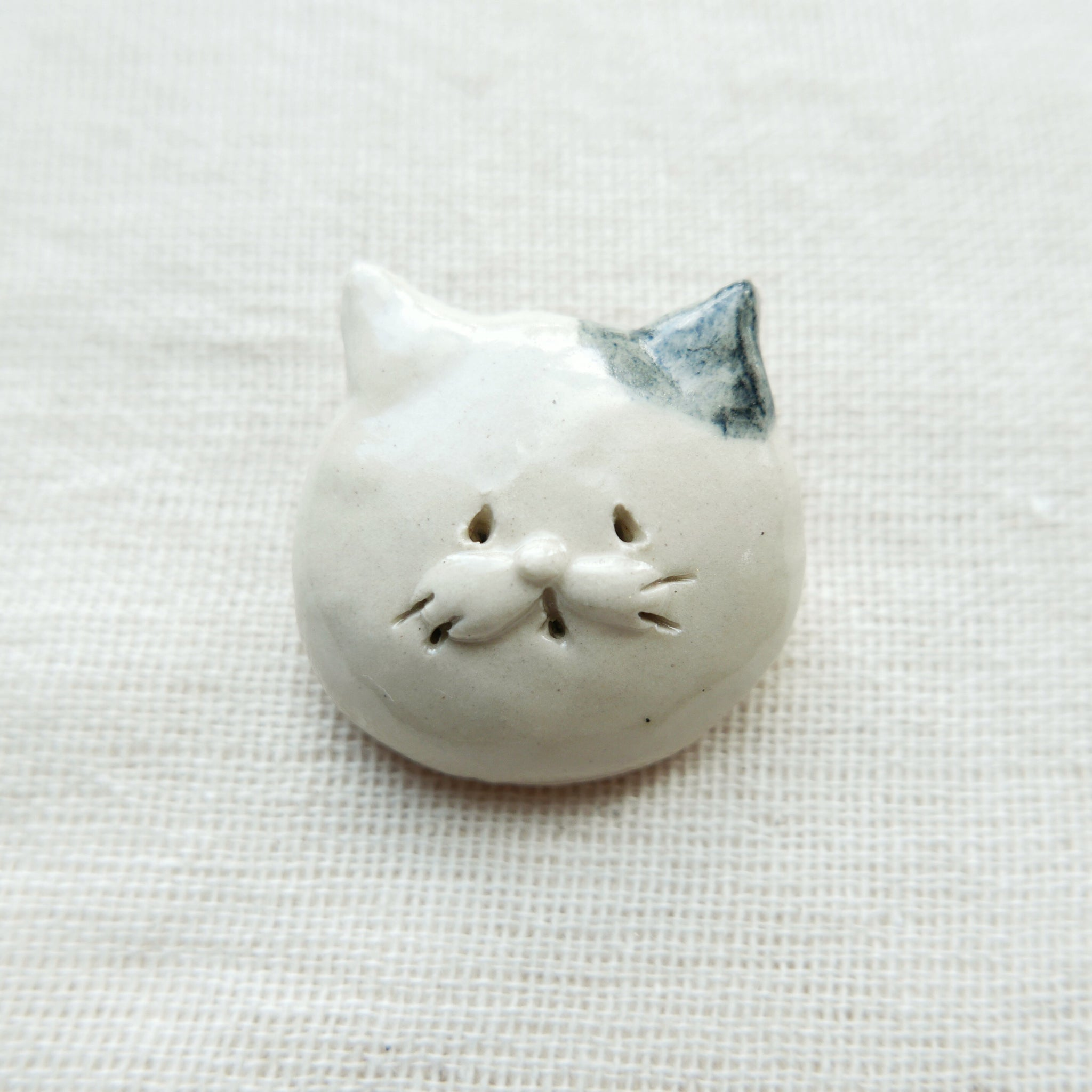 Ceramic Meow Brooches