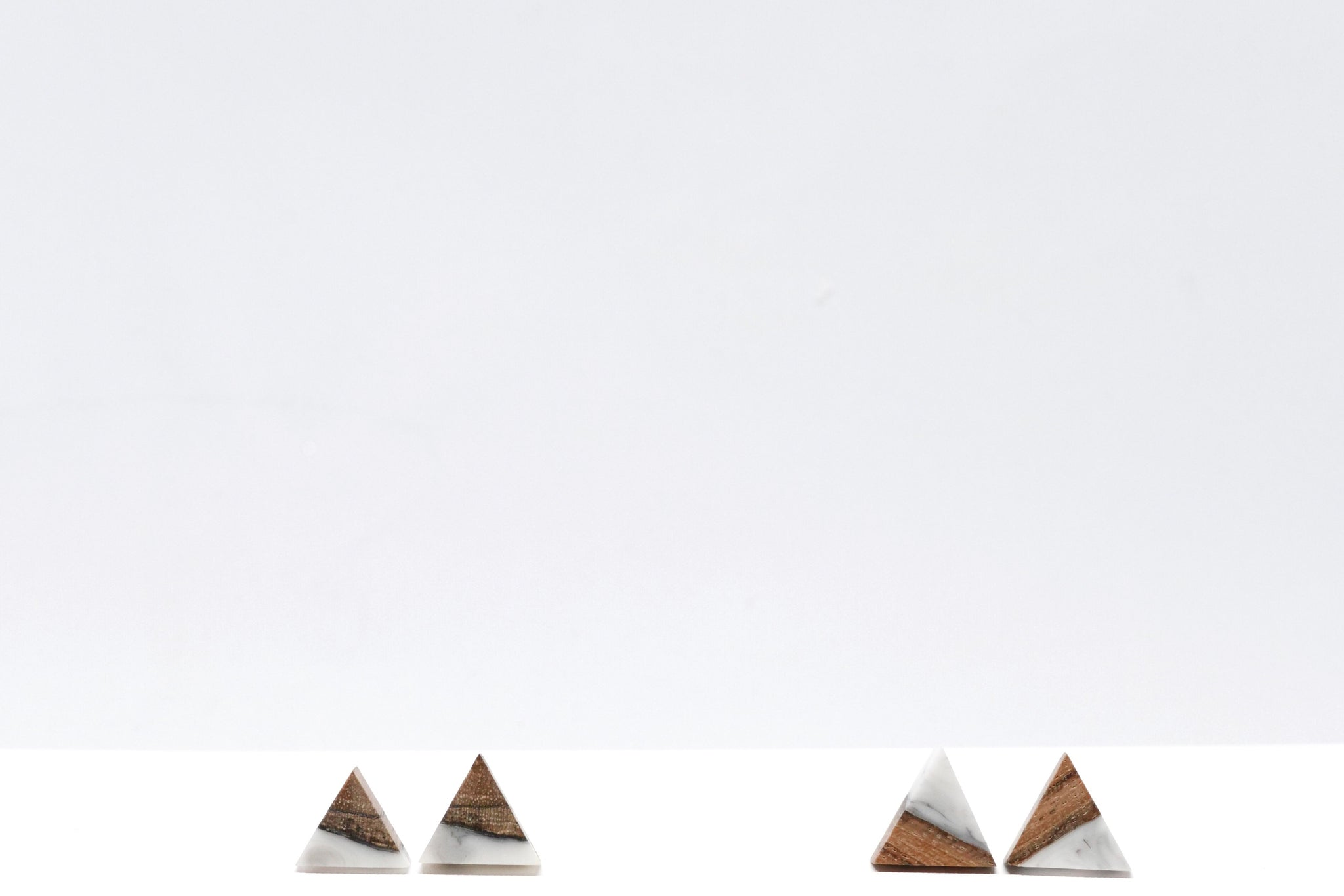 Little Wood Studs (Marble) . 小木頭耳環 (雲石白色)