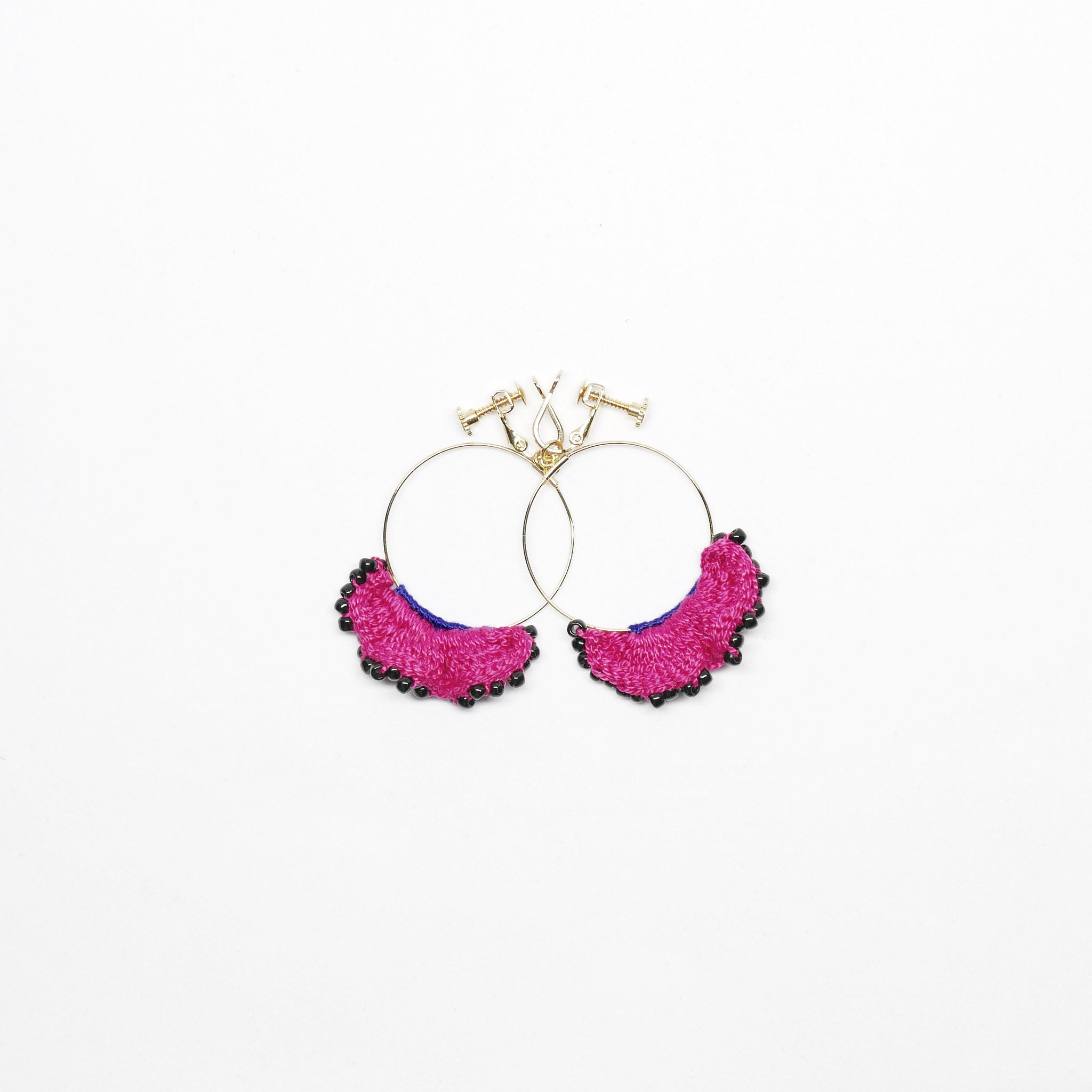 Knitted Frill Crochet Earrings (Clip on - Pink) . 冷織小褶邊耳環 (夾耳式- 粉紅色)