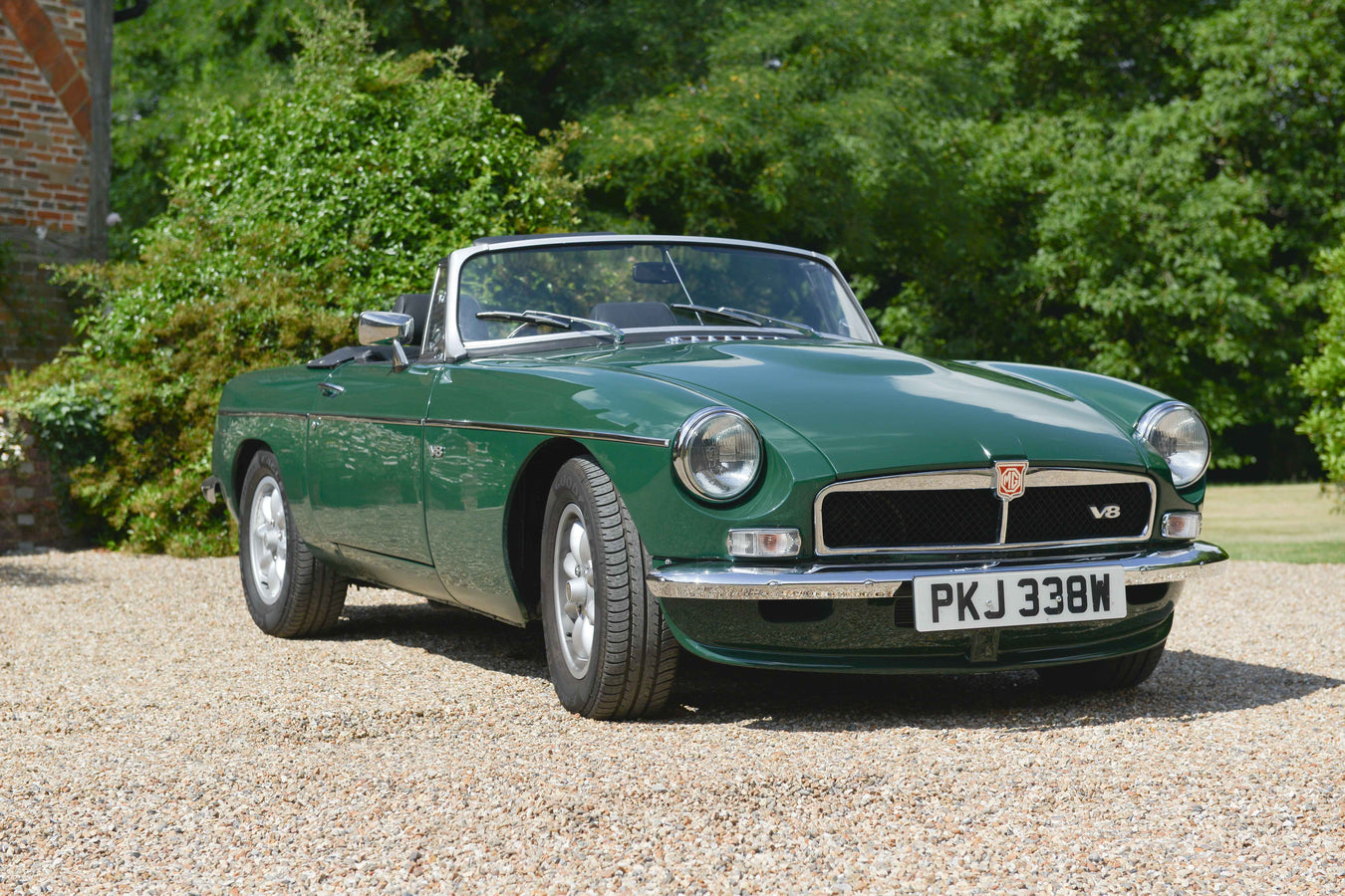 Vitesse Global | MGB V8 upgrade supply and conversion | upgraded MGB MGA gearbox conversion