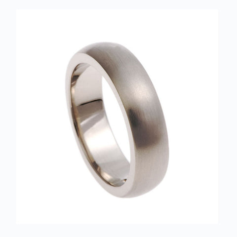 Blue 18ct White Gold 'D' Shaped Band Ring