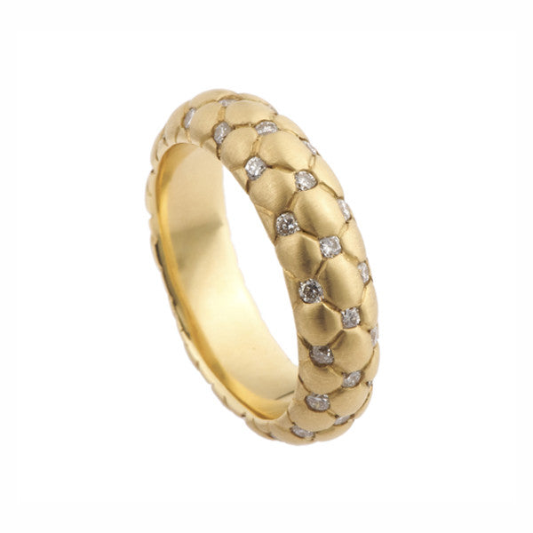 Czar 18ct Yellow Gold 'D' Band Ring With Diamonds