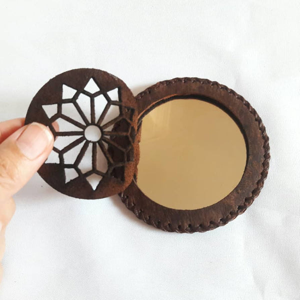 Brown Compact Mirror in Camel Leather with Geomtry Accent