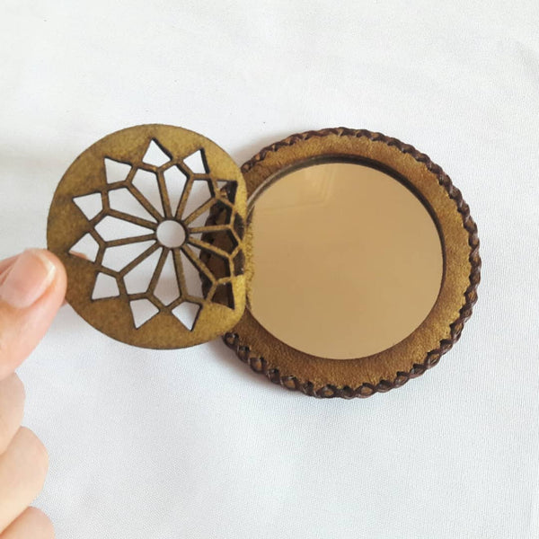 Band of Gold Yellow Compact Mirror in Camel Leather with Geomtry Accent