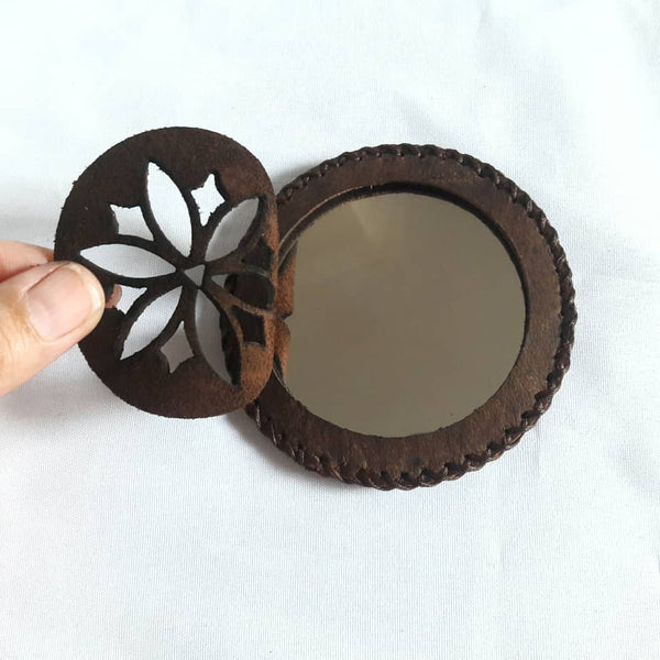 Brown Compact Mirror in Camel Leather with Flower at Heart