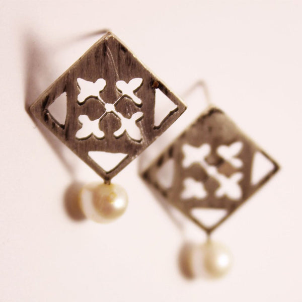 Persian Eslimi Cultured - Pearl Earrings