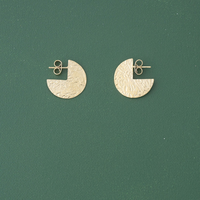 3/4 Dot Post Earrings in Gold - emme