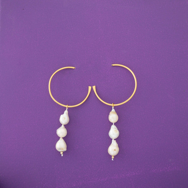 Lola Three Pearls Hoop Earrings in Gold - emme
