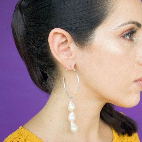 Lola Three Pearls Hoop Earrings in Silver - emme
