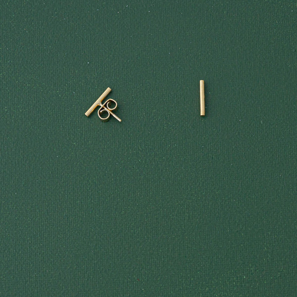 Mini Timeless Stud Earrings in Gold - emme