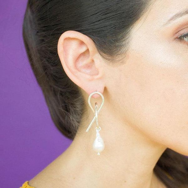 Teresa One Pearl Statement Earrings in Silver - emme