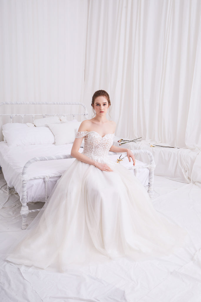Lyra - Selena Huan off-the-shoulder Italy Sequin Embroidery lace glowing A-line gown