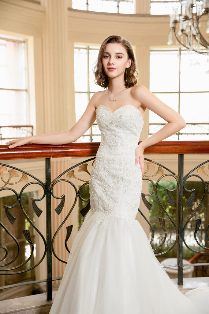 Evelyn - Selena Huan Strapless Abstract Chantilly Lace Mermaid Gown
