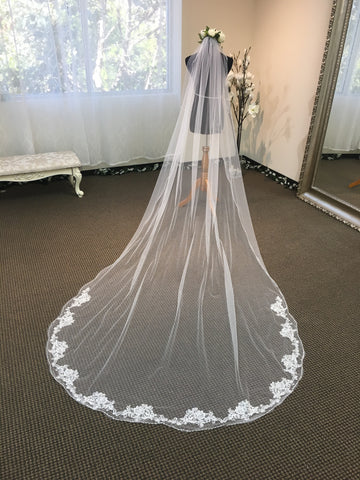 Pearl beaded French lace hem long veil