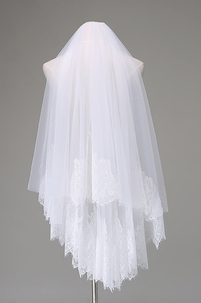 Waist-length French scallop lace hem veil