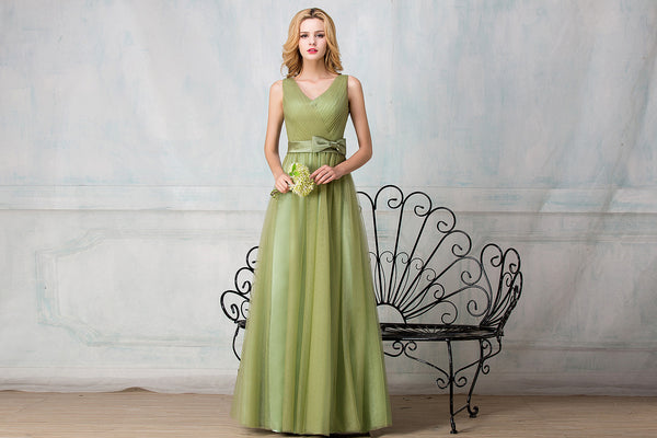 V-shape neckline full-length tulle bridesmaid dress