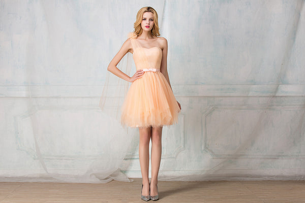 Sweetheart one-shoulder cocktail-length tulle bridesmaid dress