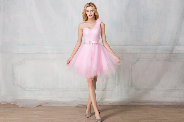One-shoulder cocktail-length tulle bridesmaid dress