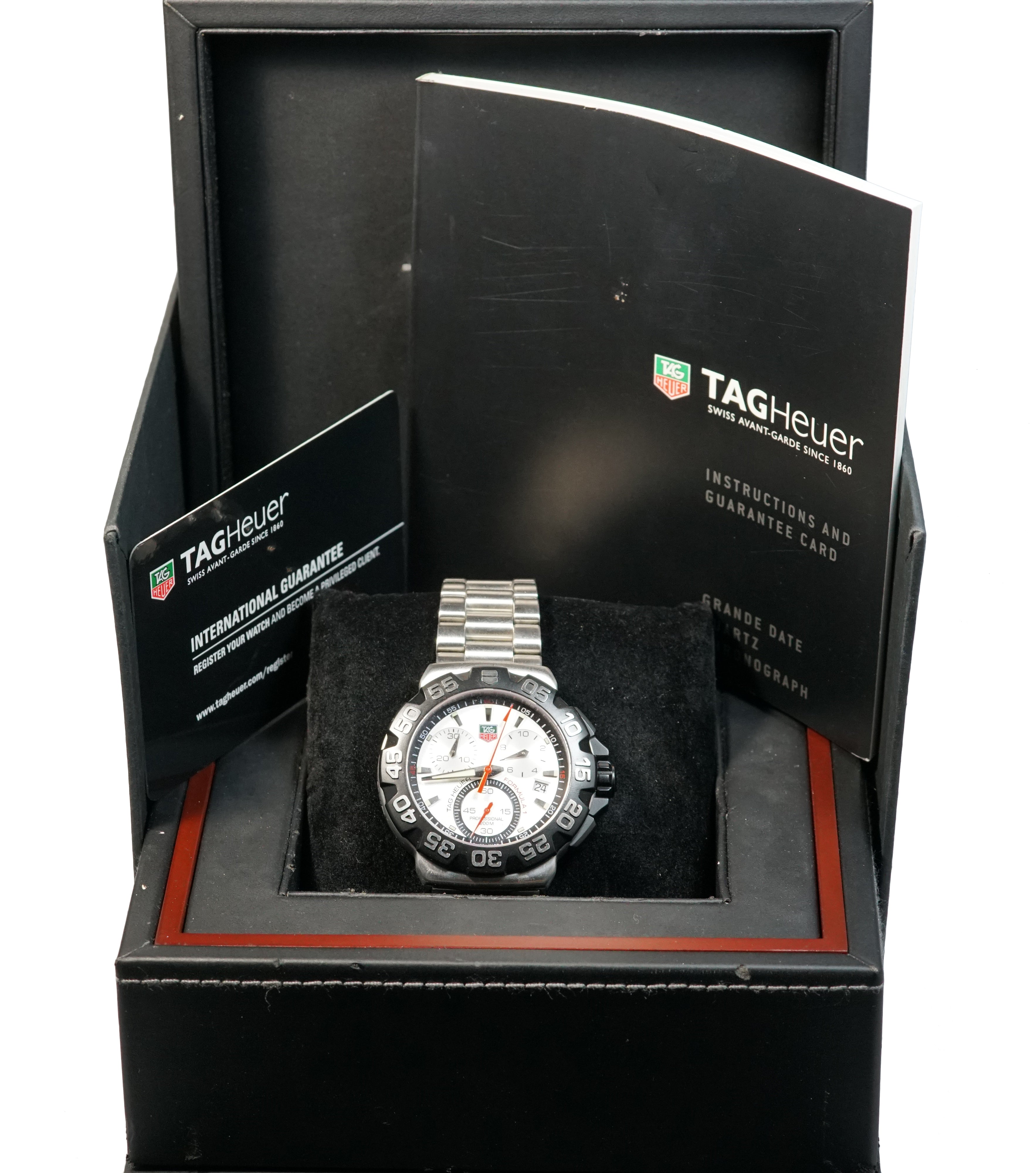 $1,550 MSRP BRAND NEW Tag Heuer Formula 1 F1 White Date Watch CAH1111.BA0850