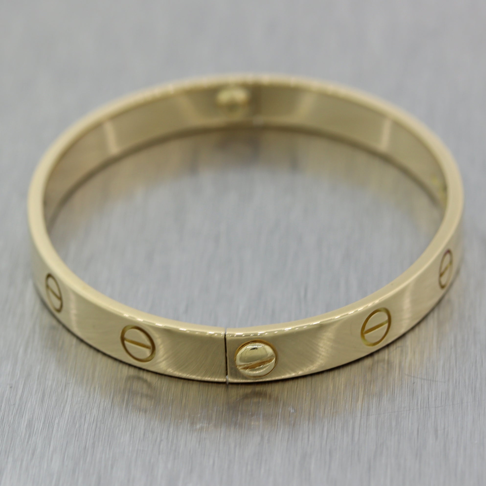 Cartier 18k Yellow Gold Old Style Screw Love Bangle Bracelet Box Size 17