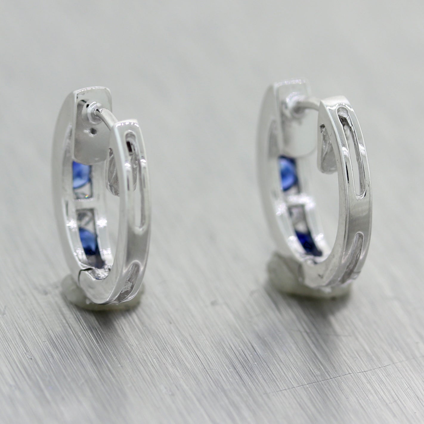 Vintage Estate 18k White Gold 1ctw Diamond & Sapphire Huggie Hoop Earrings