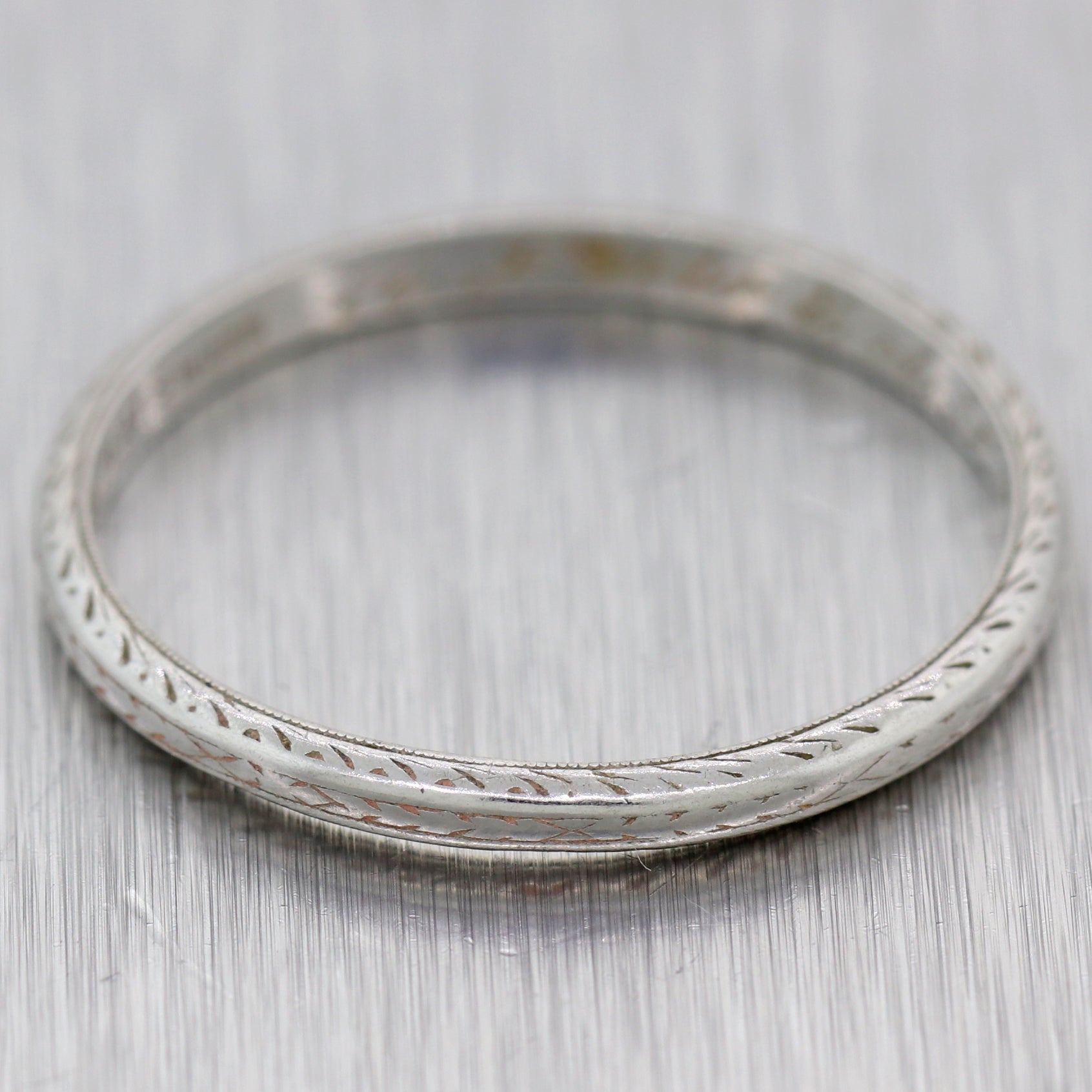 1920s Antique Art Deco Estate Platinum 1mm Engraved Wedding Band Ring N8