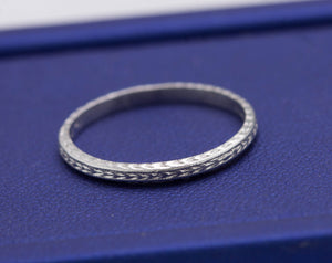 1930s Antique Art Deco Platinum 2mm Etched Stackable Eternity Wedding Band Ring