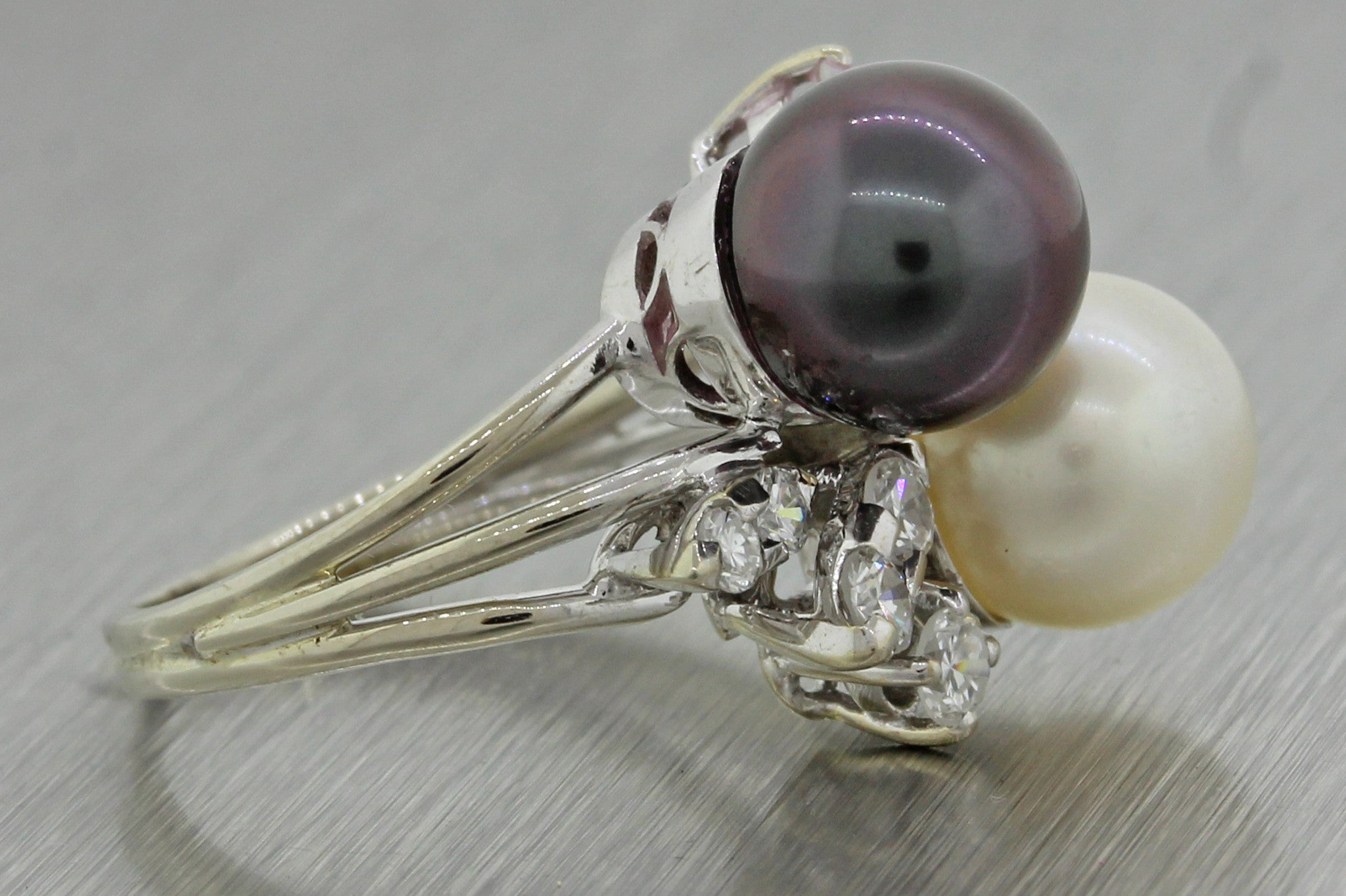 1970s Vintage 18k Solid White Gold 8.5mm Black White Pearl .70ctw Diamond Ring
