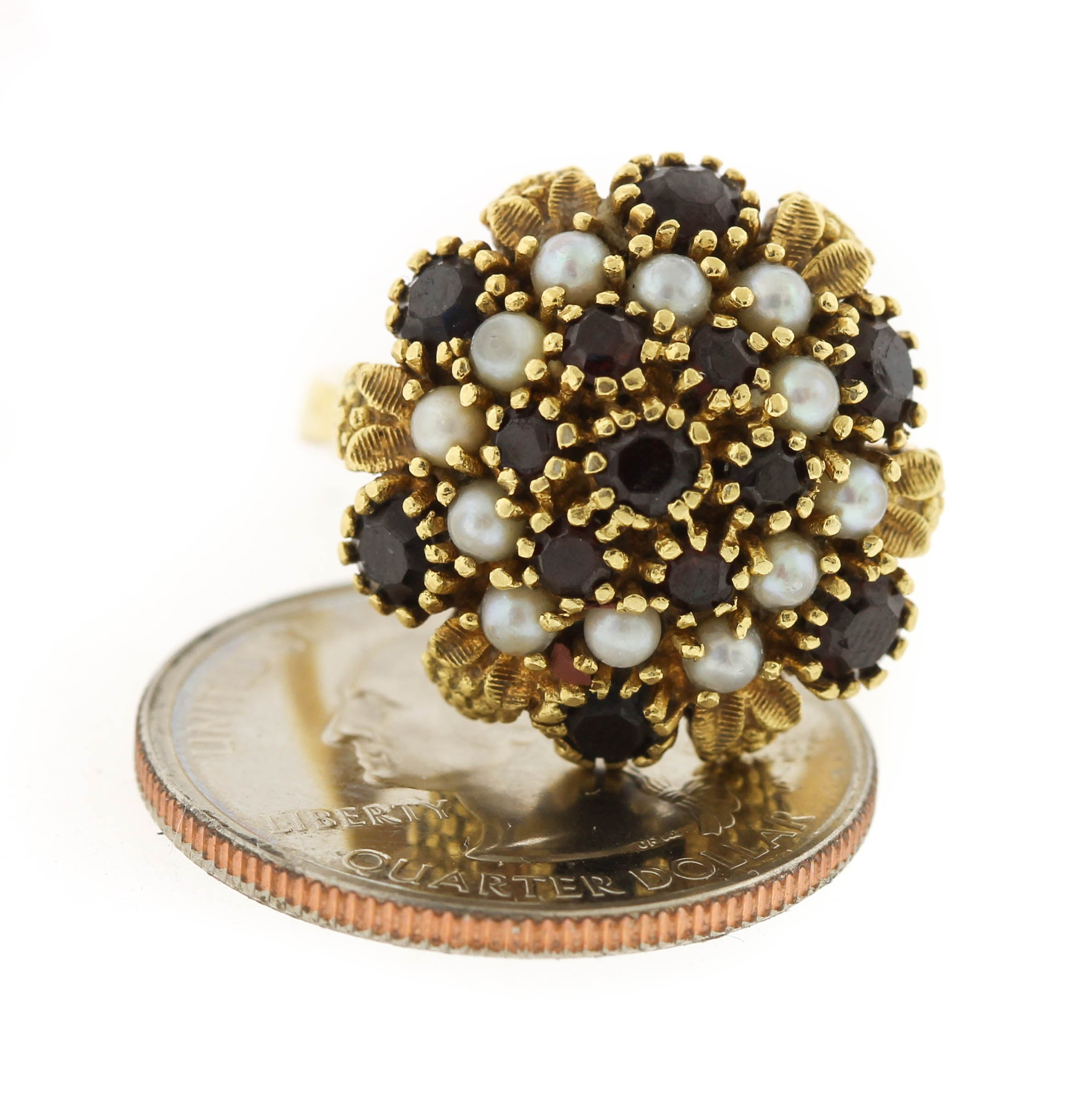 Lovely Ladies Vintage Estate 18K 750 Yellow Gold Garnet Pearl Cluster Dome Ring