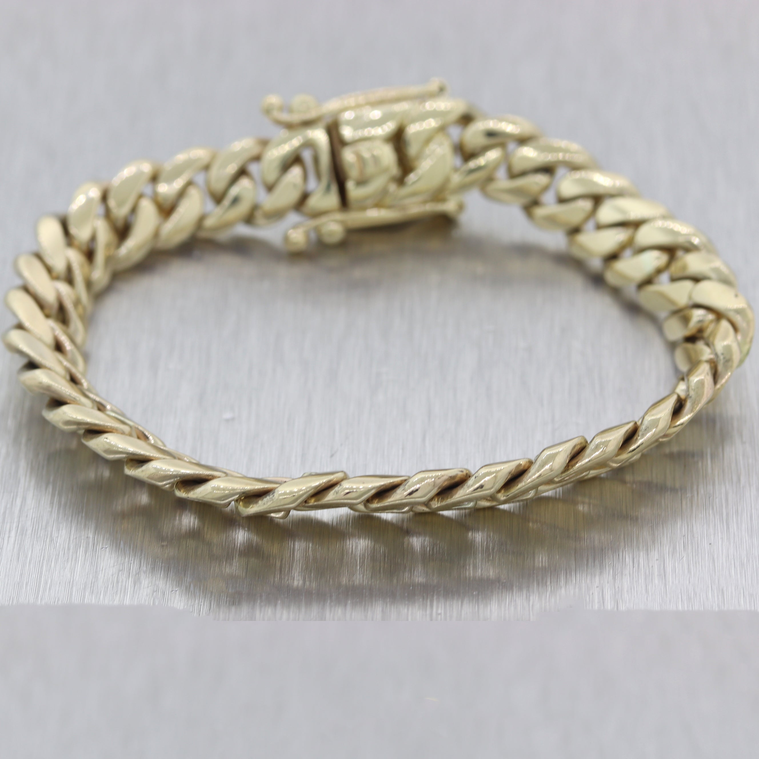 Modern 62.46g 10k Yellow Gold Cuban Link Chain Bracelet