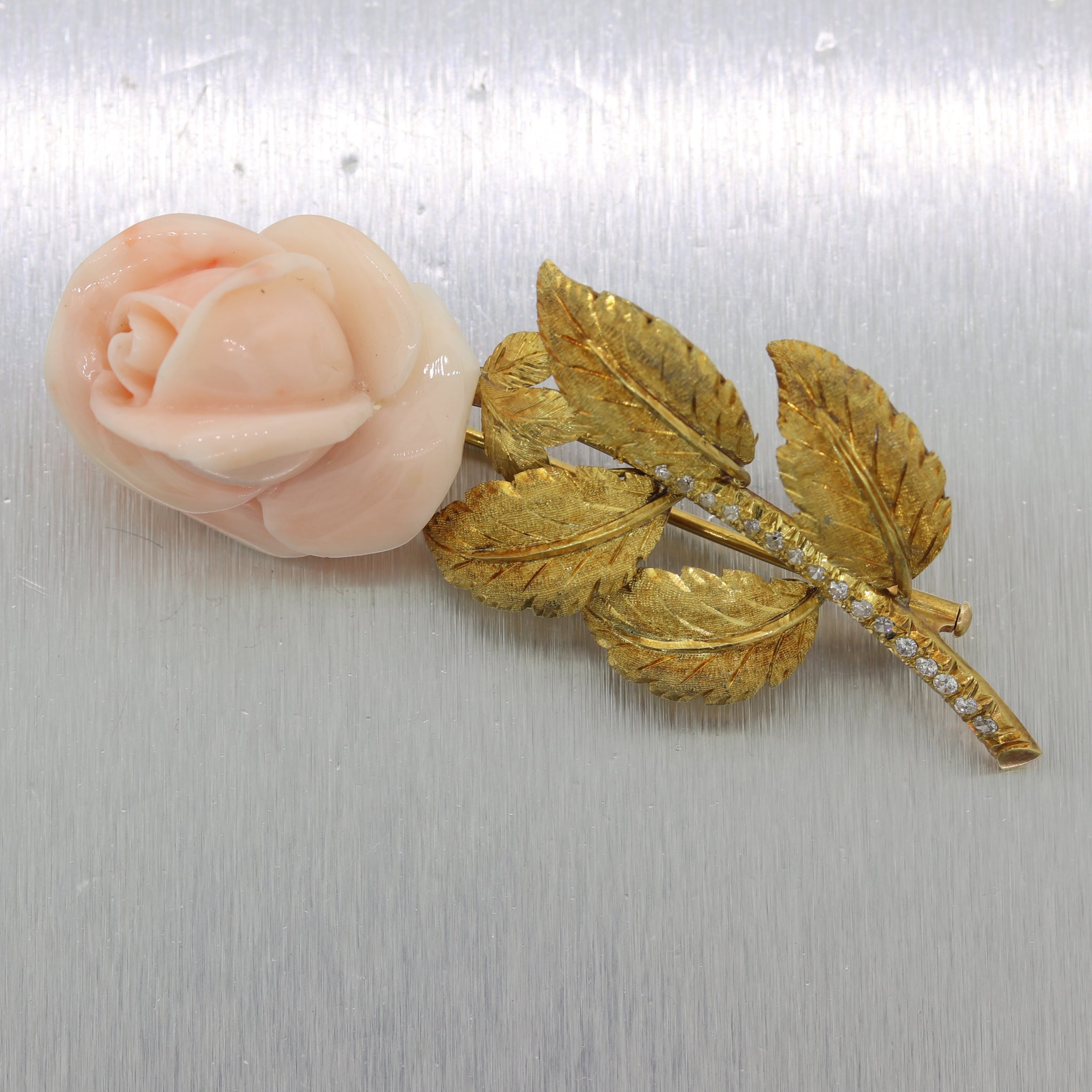 1960's Vintage Estate 18k Yellow Gold Italian Angel Skin Coral Brooch Pin