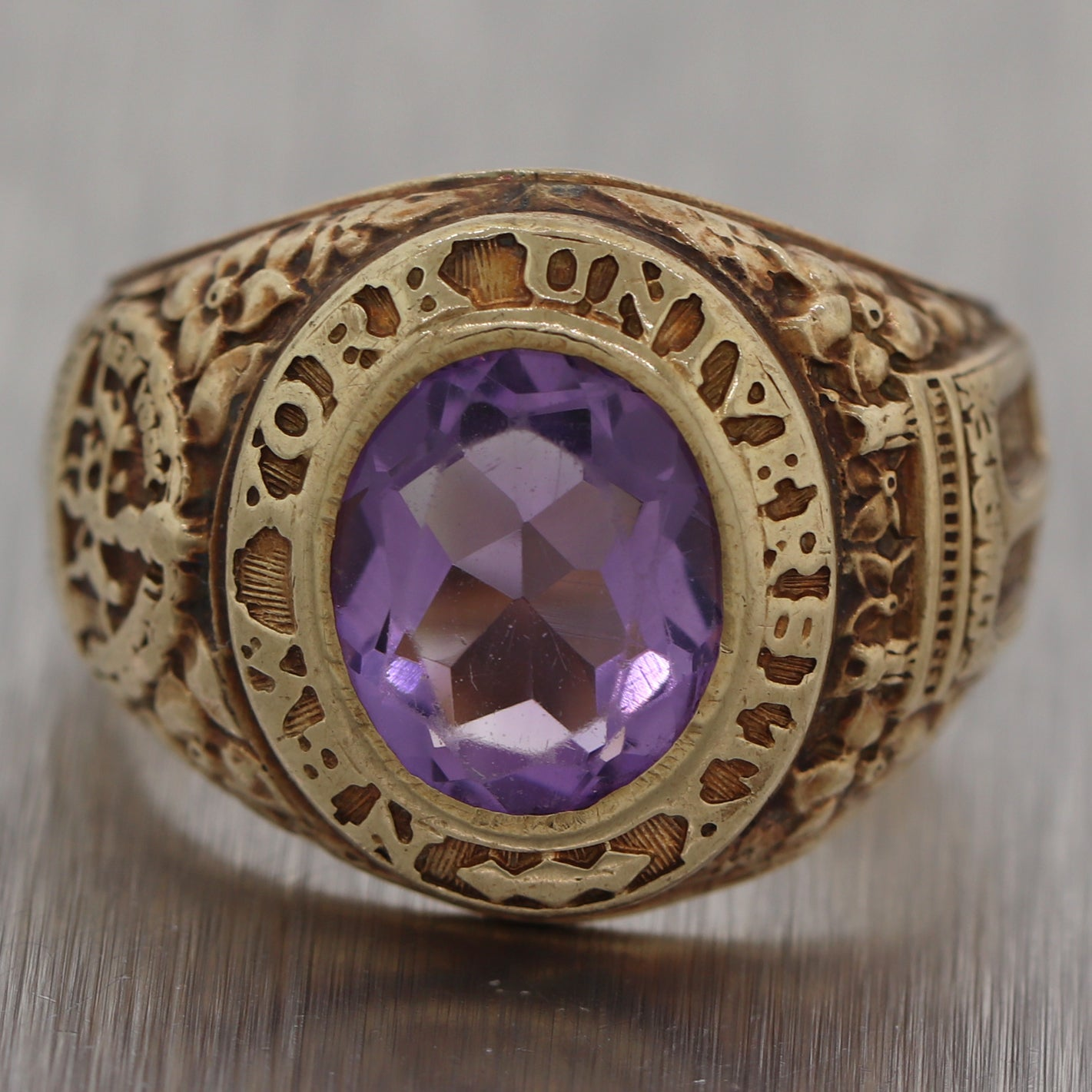 1945 New York University NYU 14k Yellow Gold Amethyst Class Ring