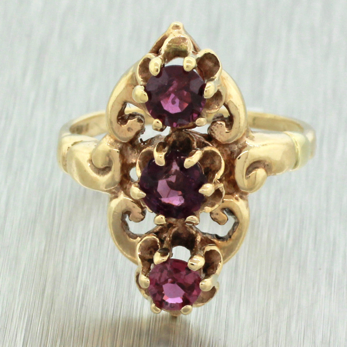 1960s Vintage Estate Women's 10k Yellow Gold Amethyst Gemstone Filigree Cocktail