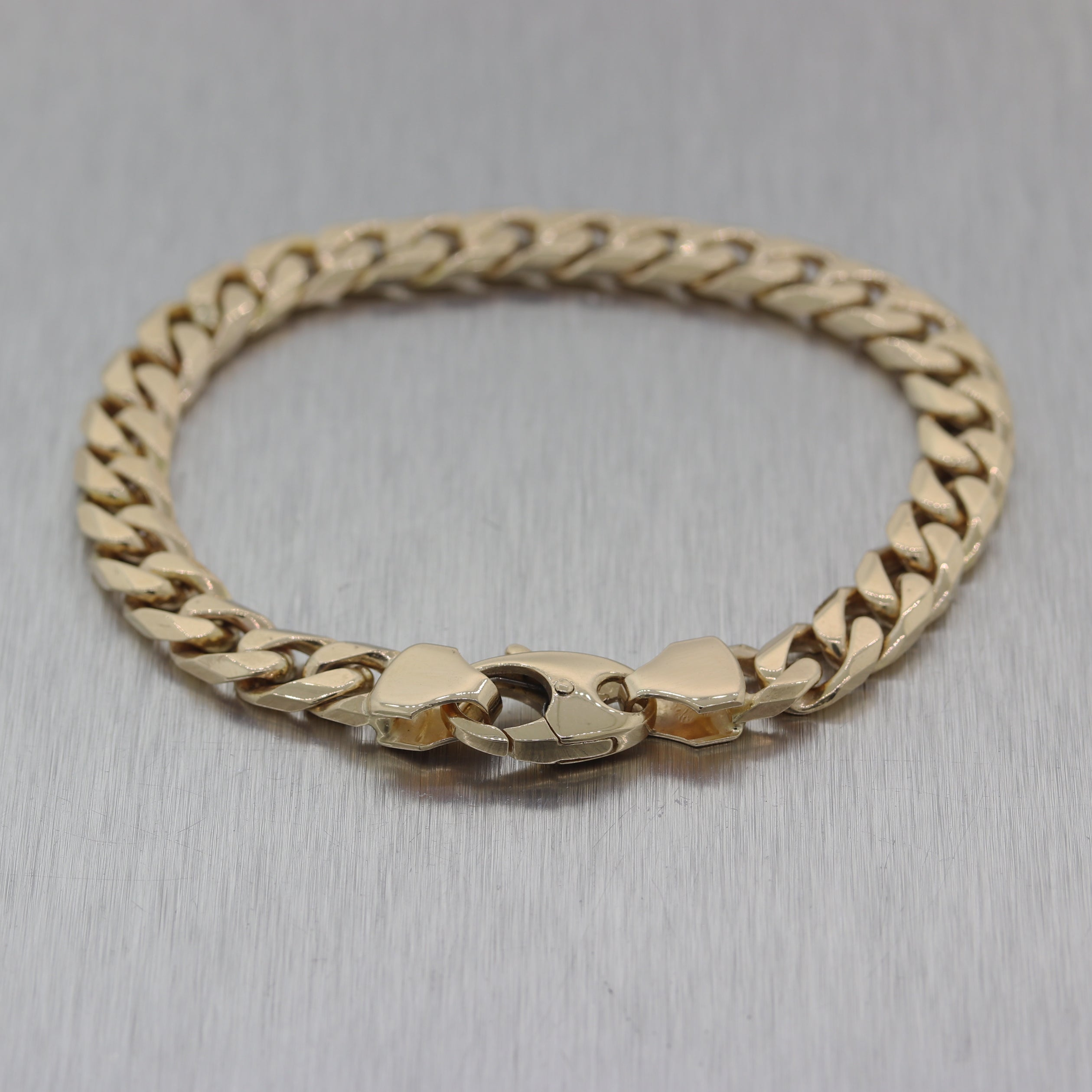 Modern 26.93g 14k Yellow Gold Cuban Curb Link Chain Bracelet