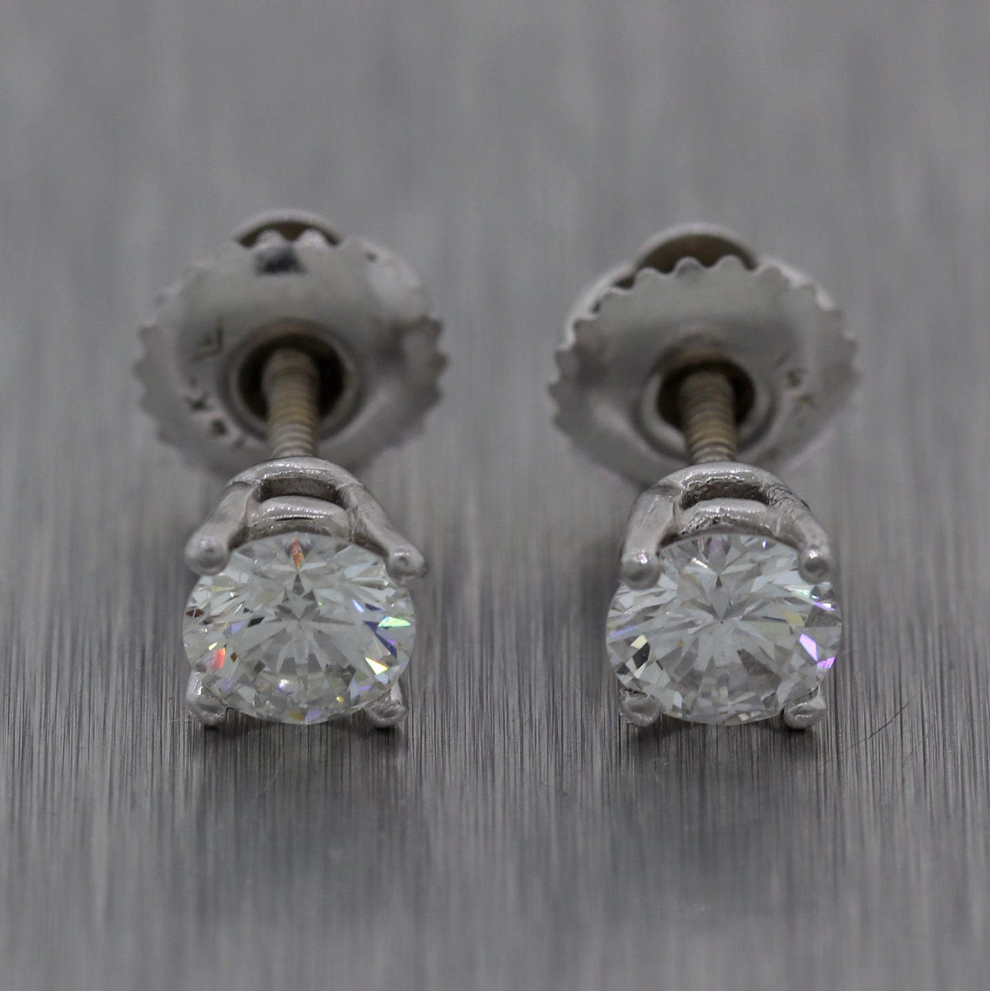 Modern 14k White Gold 0.66ctw Round Cut Diamond Stud Earrings