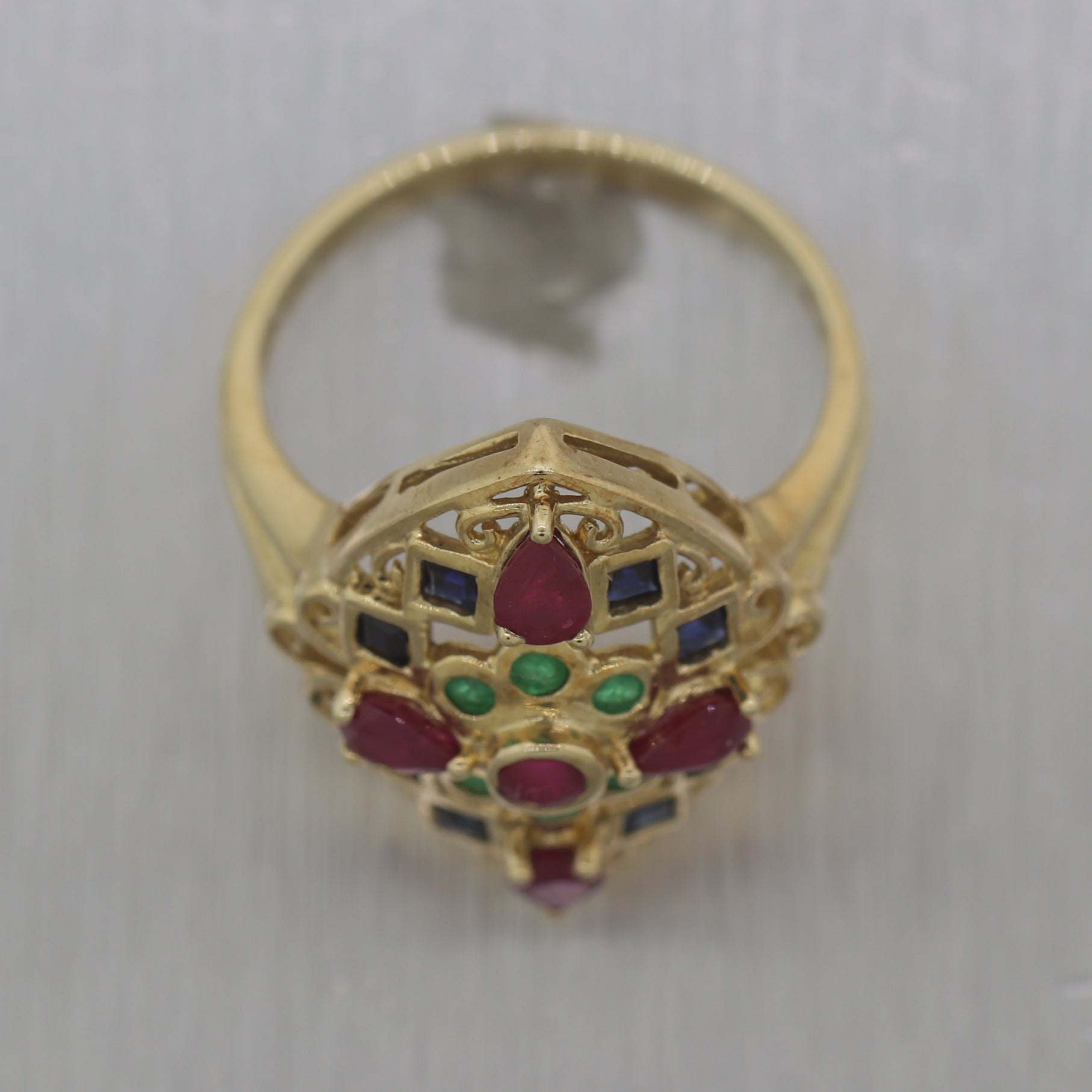 Vintage Estate 10k Yellow Gold Sapphire Emerald & Ruby Ring