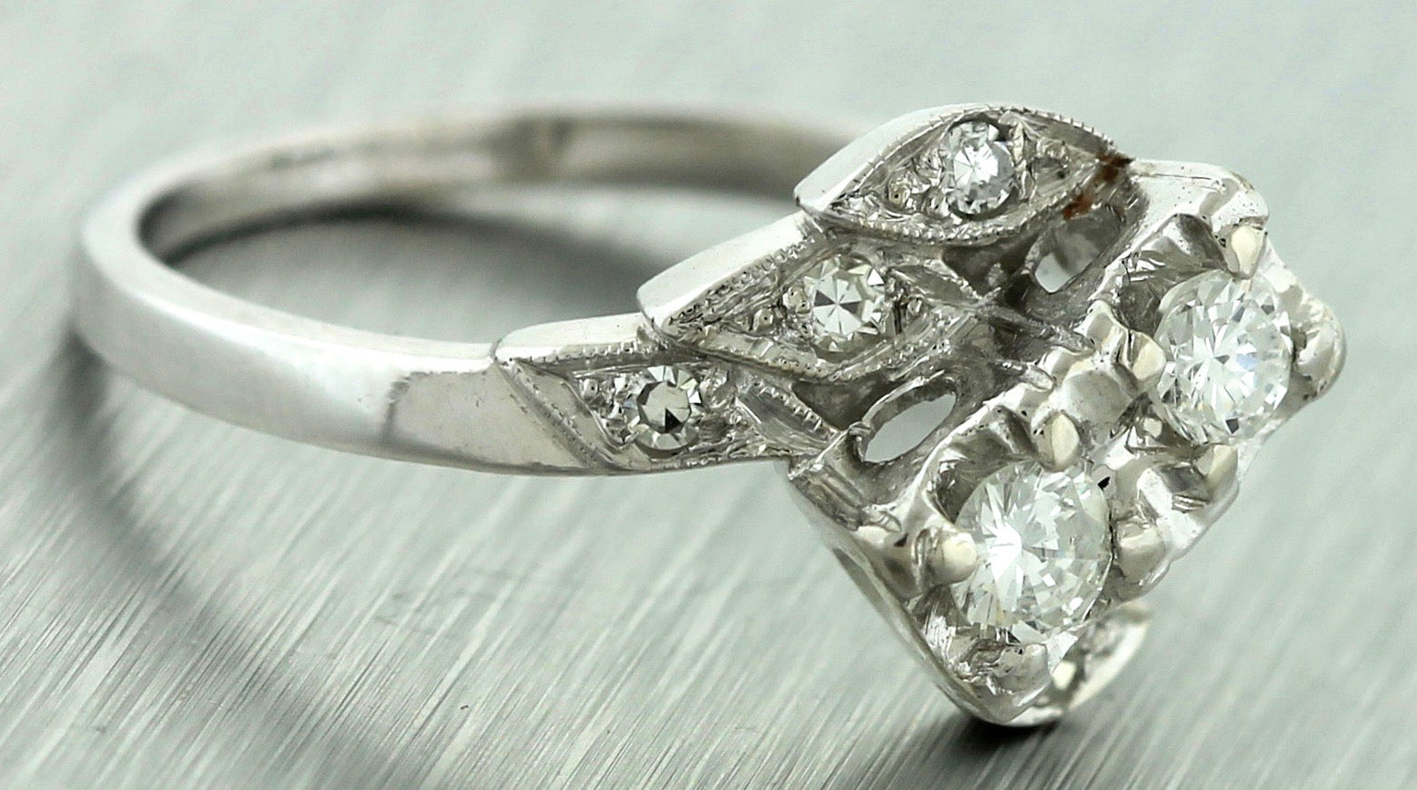 Ladies Vintage Estate 14K White Gold 0.45ctw Diamond Engagement Ring EGL USA