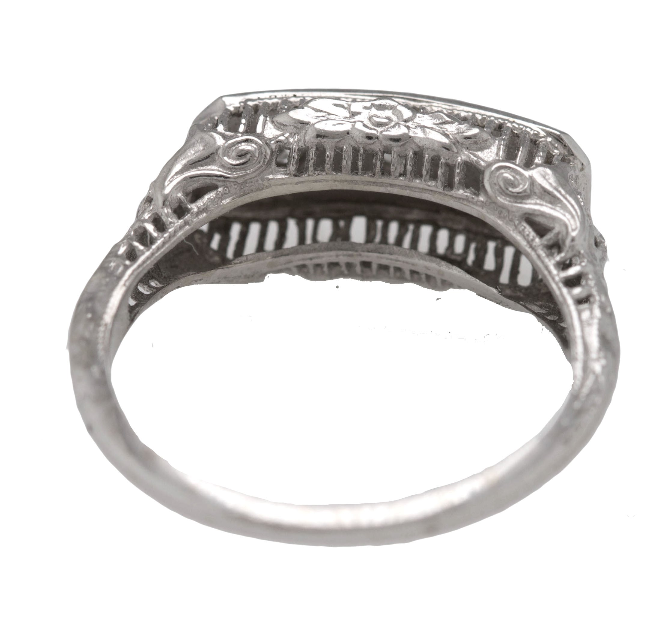 1930s Antique Art Deco 14K White Gold 3-Stone 0.12ctw Diamond Filigree Band Ring