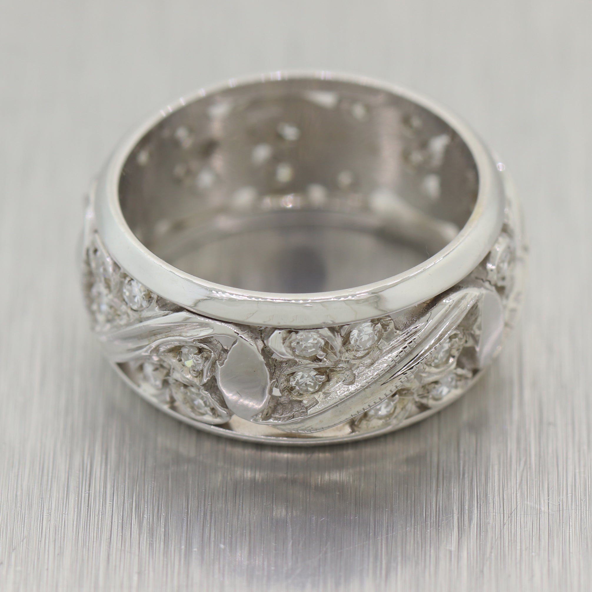 1930's Antique Art Deco 14k White Gold 0.50ctw Diamond Filigree Ring
