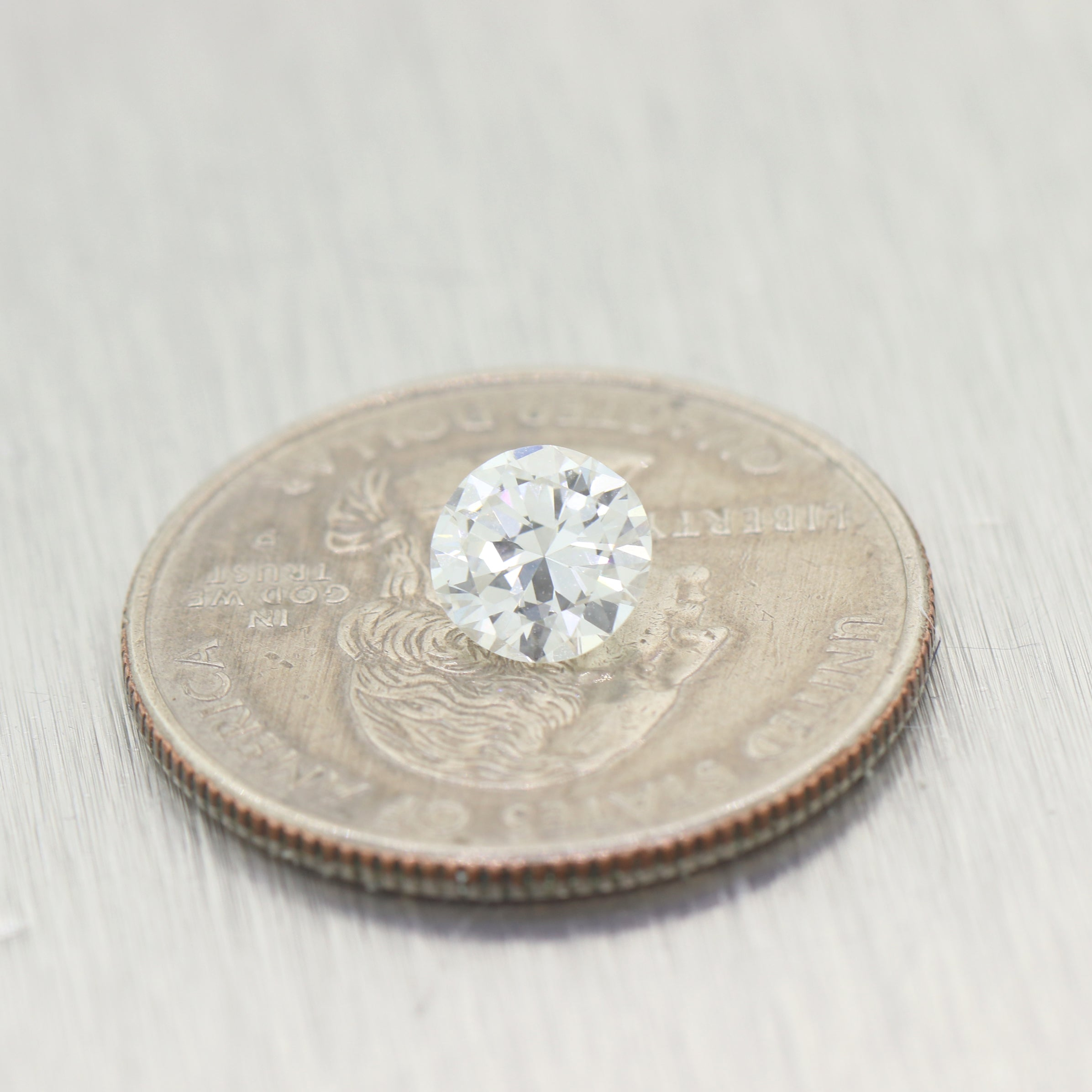 0.99ct GIA Round Shape Brilliant Cut F VVS2 Natural Modern Loose Diamond