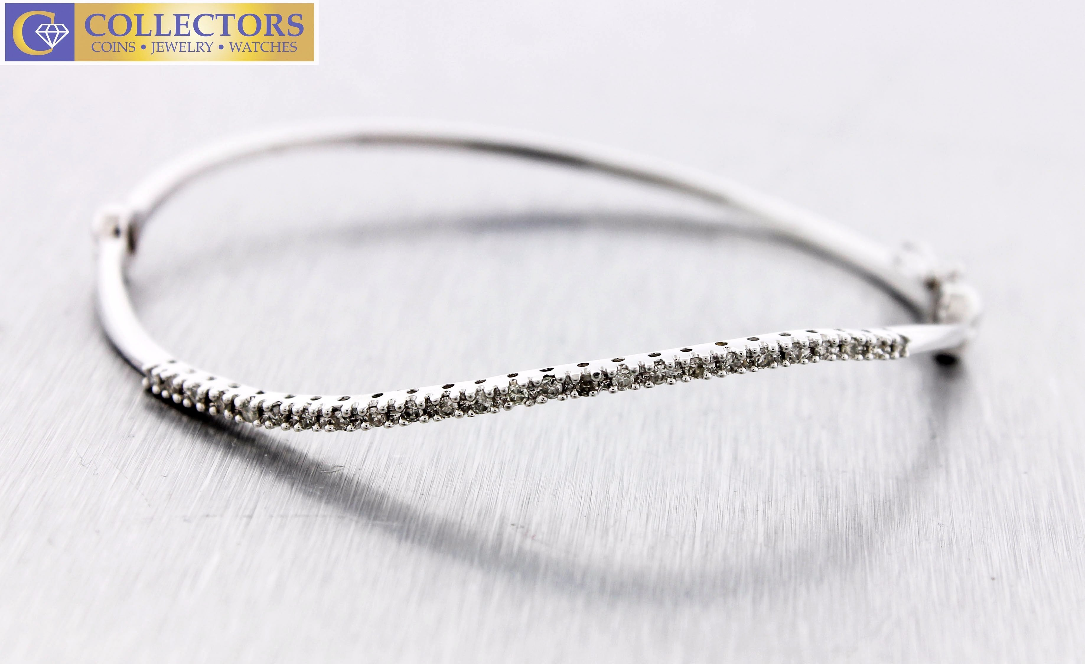 Lovely Ladies Estate 14K White Gold 0.25ctw Pave Diamond Bangle Bracelet