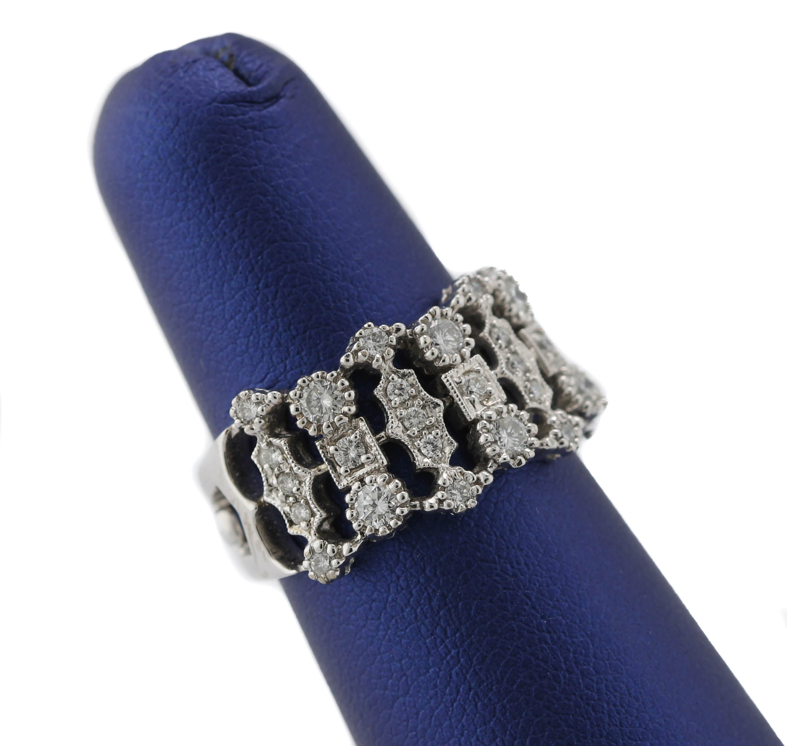 Lovely Ladies Modern 14K White Gold 1.65ctw Diamond Mesh Cocktail Ring