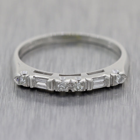 1940's Antique Vintage Estate Platinum 0.20ctw Baguette & Round Cut Diamond Ring