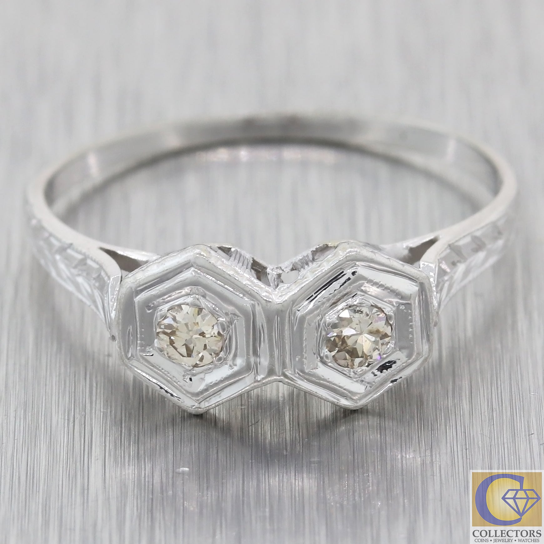 1930s Antique Art Deco Estate 14k White .23ctw Diamond Saddle Ring M8