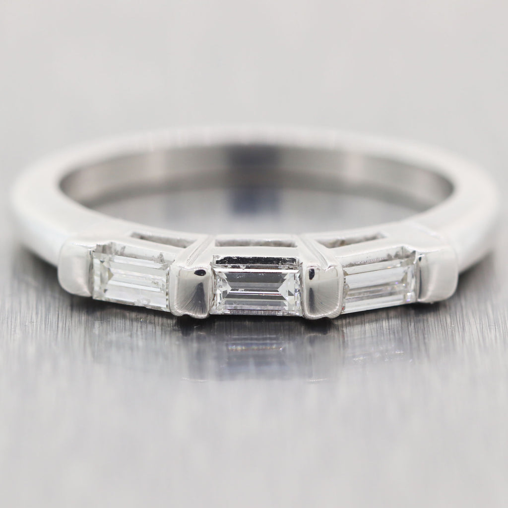 1930's Antique Art Deco 14k White Gold 0.25ctw Diamond Band Ring