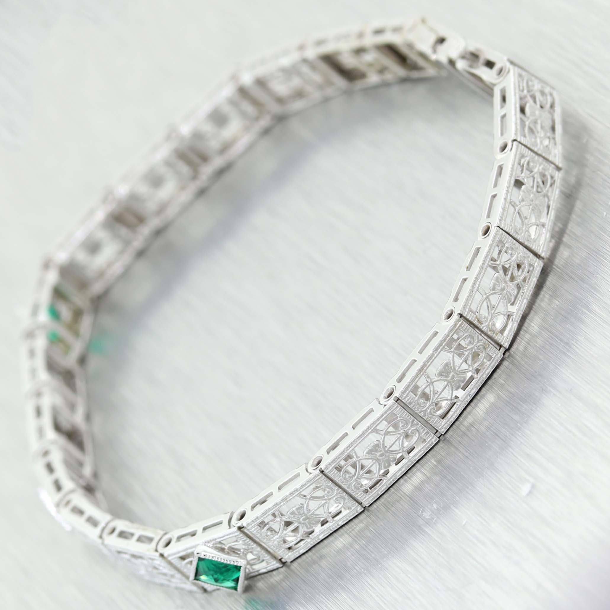 1930's Antique Art Deco 14K White Gold .45ct Emerald & .02ct Diamond Filigree Bracelet C9