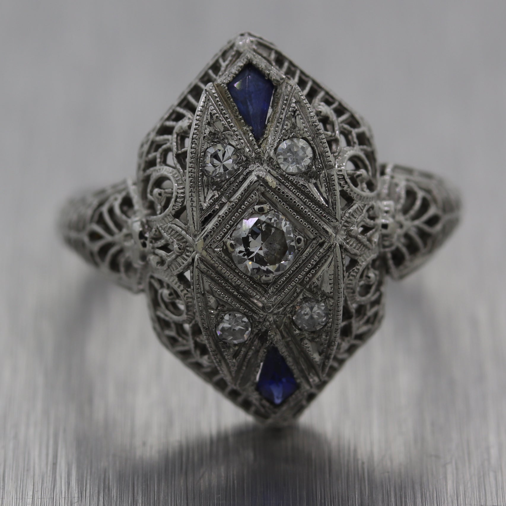 1920's Antique Art Deco Platinum & 18k White Gold 0.20ctw Diamond Filigree Ring