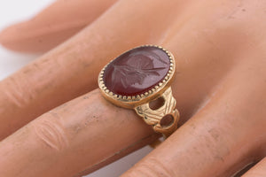 Antique Estate 14K Yellow Gold Carnelian Intaglio Soldier Carved Ring